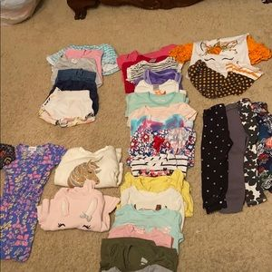 Girl's 2T clothes